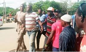 Brother Of The Lady Who Was Shot In The Mouth By A Lover, Policeman Cries Out